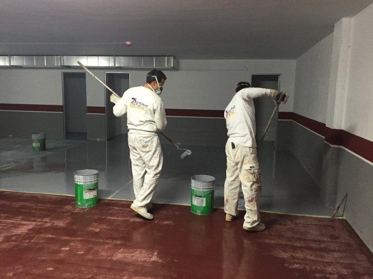 Acabado suelo garaje con resina de epoxi